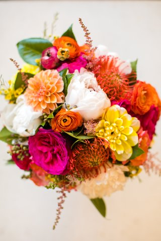 colorful-pink-orange-yellow-bouquet-spanish-mexican-influences-wedding-tropical-warm-weather