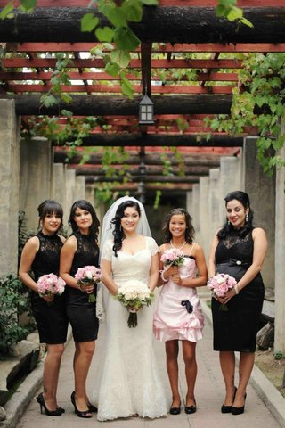 bride-with-bridesmaids-in-black-lace-gowns