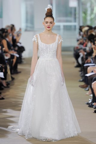 ines-di-santo-spring-2018-short-sleeve-scoop-natural-waist-a-line-gown-godets-skirt-bow-belt