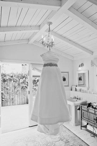 monique-lhuillier-crop-top-gown-with-beaded-belt