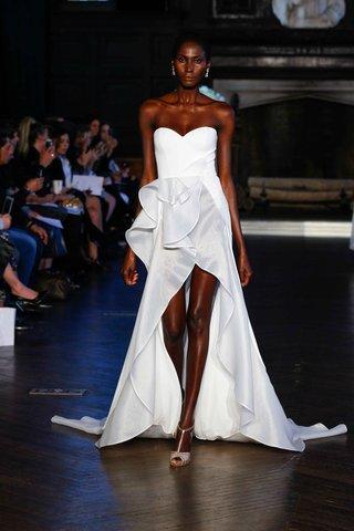 alon-livne-white-fall-2016-strapless-high-low-wedding-dress-with-ruffle-skirt