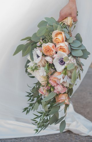 bridal-bouquet-with-eucalyptus-greenery-white-anemone-peach-roses-blush-roses