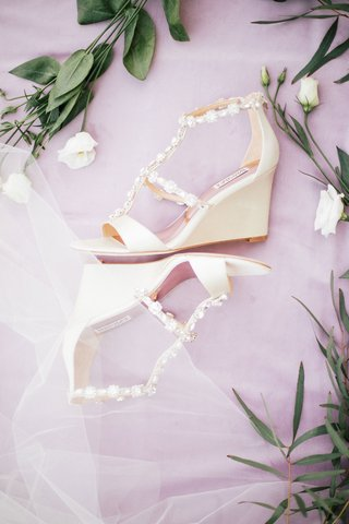 badgley-mischka-wedge-heels-open-toe-beaded-straps-ivory-color-wedding-shoes-bridal-heels