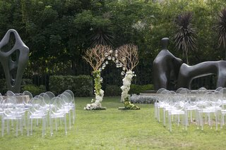 modern-ceremony-in-shades-of-green-and-white