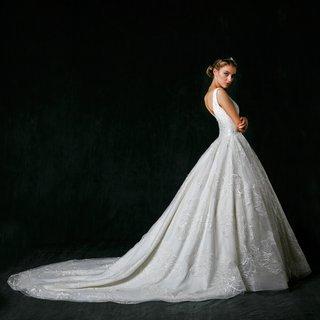 sareh-nouri-fall-2017-wedding-dress-alessandra-ball-gown-flower-lace-details-v-back-train