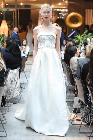 sachi-babi-spring-summer-2018-strapless-gazaar-ball-gown-skirt-metallic-floral-crystals-sequins