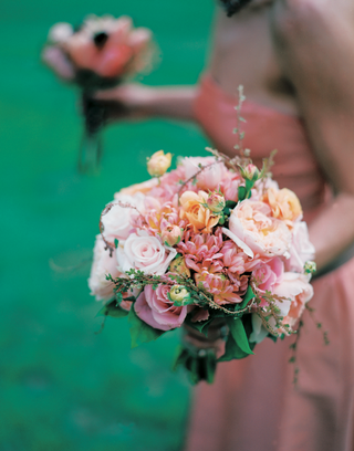 bridesmaid-bouquet-with-pink-rose-garden-rose-and-peony-flowers