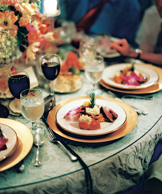 red-wine-and-wedding-dinner-with-pink-orchid-garnish