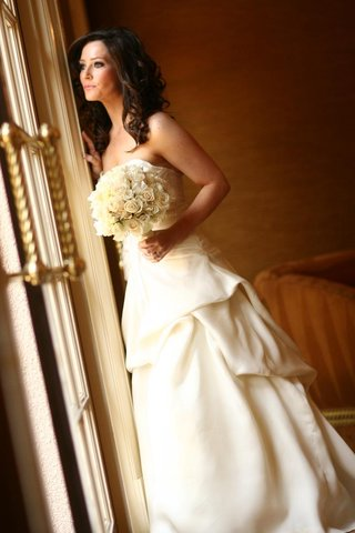 strapless-bridal-gown-and-ivory-bouquet