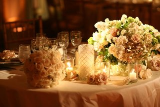 pale-pink-linens-and-romantic-floral-arrangement
