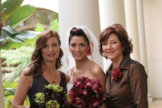 bride-with-sister-and-mother-of-the-bride-in-brown-collared-dress