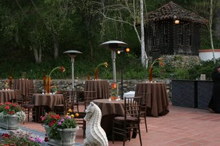 hacienda-outdoor-wedding-reception-with-brown-decorations
