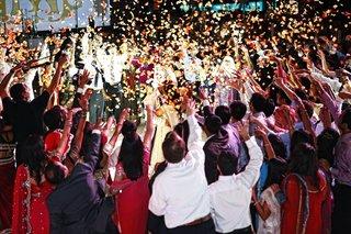 indian-wedding-reception-in-the-ballroom-of-the-hilton-americas-houston