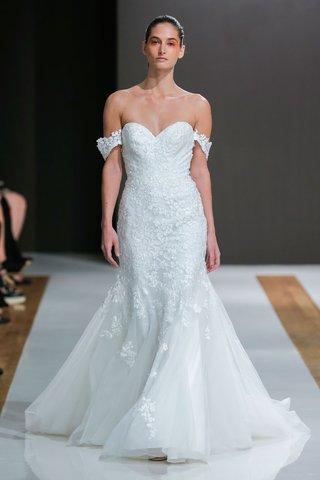 mark-zunino-spring-2018-wedding-dress-sweetheart-neckline-bridal-gown-off-shoulder-flared-skirt