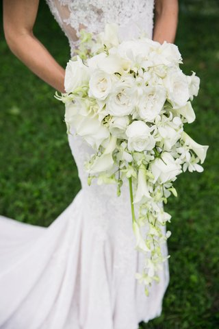 white-cascading-bridal-bouquet-with-roses-and-calla-lilies