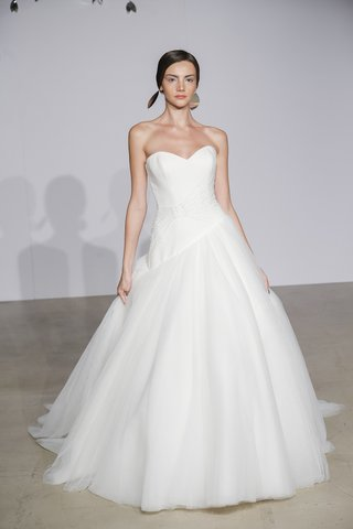 justin-alexander-fall-2018-asymmetrical-tulle-ball-gown-with-starburst-beading