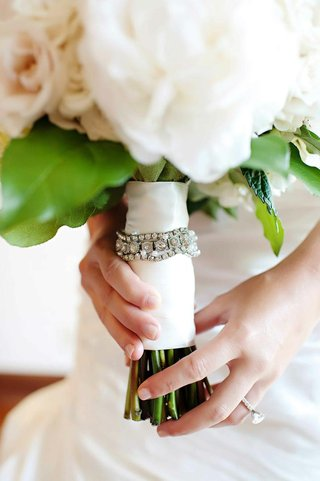 white-and-blush-bouquet-with-crystal-band