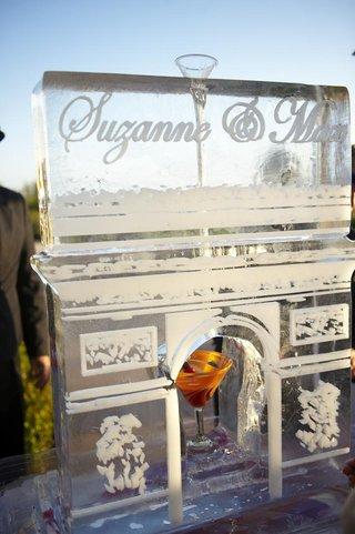 wedding-arc-de-triomphe-ice-sculpture-martini-bar