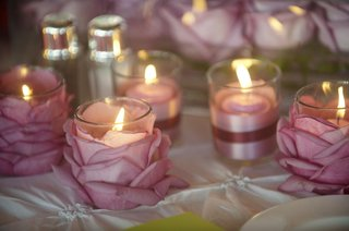 small-candleholders-decorated-with-purple-petals