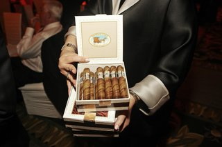 chocolates-in-shape-of-cigars-in-cigar-box