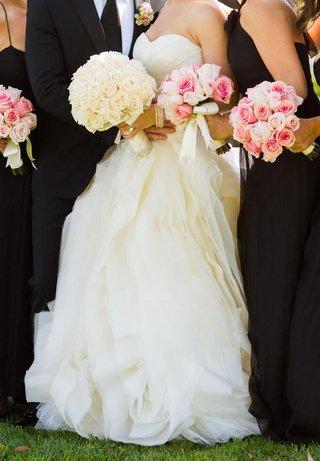 pink-bride-and-bridesmaid-nosegays