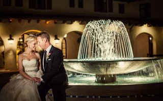 riviera-country-club-outdoor-water-fountain