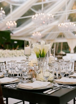 white-calla-lilies-in-mercury-glass-vase-at-wedding-reception