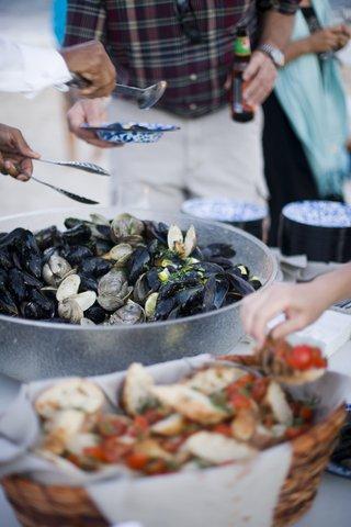 clam-bake-food-spread
