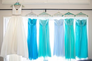 bridal-gown-with-blue-bridesmaids-dresses