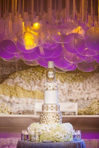 six-6-tier-white-gold-monogram-indian-hindu-wedding-cake-fresh-flowers-candles