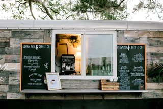 wedding-reception-outdoor-mobile-wood-panel-coffee-bar-food-truck-hot-cold-latte-specialty-smoothies