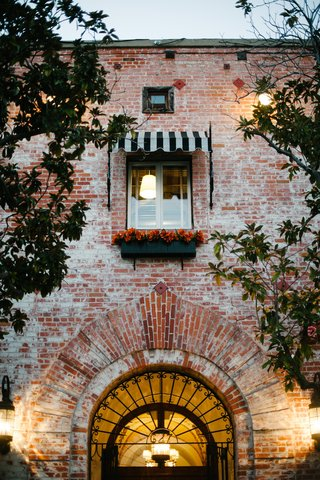 exterior-of-carondelet-house-wedding-venue