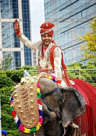 indian-groom-arrives-by-elephant-to-his-wedding-ceremony