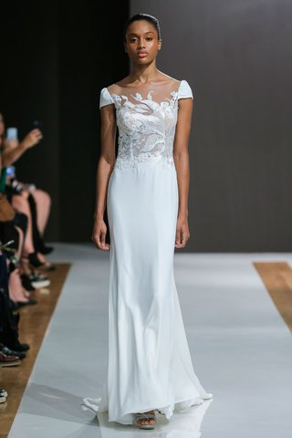 mark-zunino-spring-2018-wedding-dress-cap-sleeve-bridal-gown-with-embroidery-on-bodice-sleek-skirt