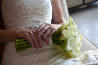 bride-holding-white-calla-lily-wedding-bouquet