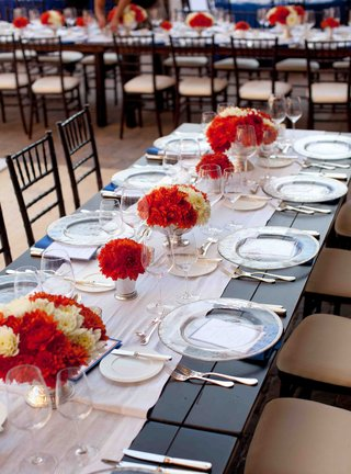 low-centerpieces-on-white-runner-reception-table