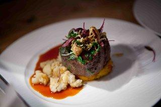 gourmet-wedding-reception-steak-with-garnish