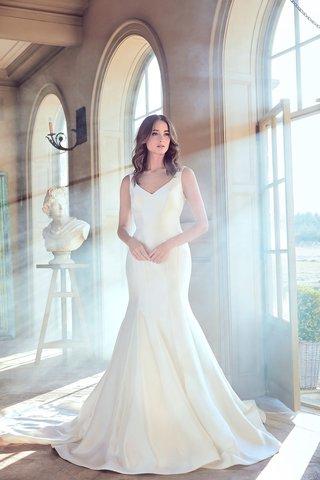 sareh-nouri-spring-2019-swan-lake-collection-wedding-dress-olga-v-neck-fit-flare-gown-sleek-satin