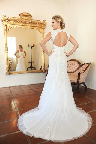 jenna-reeves-wearing-a-sleeveless-wedding-dress-with-keyhole-back-queen-ann-neckline-and-silk-ribbon