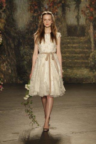 puck-wedding-dress-by-jenny-packham-spring-2016
