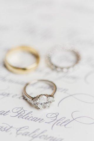 gold-band-diamond-3-three-stone-engagement-ring-wedding-jewelry-classic-simple-prongs