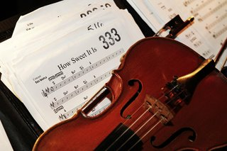 wedding-orchestra-musical-instrument-and-notes