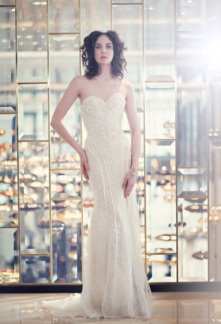 bride-in-strapless-wnkte-marlis-ines-di-santo-wedding-dress