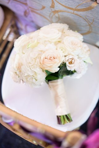 classic-bridal-bouquet-with-cream-roses-and-hydrangeas