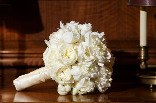 wedding-bouquet-white-peony-white-garden-rose-flowers-wrapped-with-satin-ribbon-ivory-white-bouquet