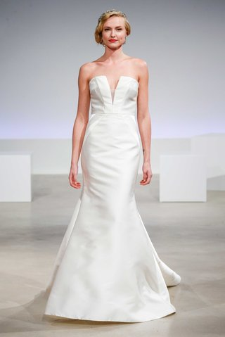 anne-barge-fall-2017-zelda-strapless-trumpet-dress-seaming-v-notched-neckline-silk-mikado
