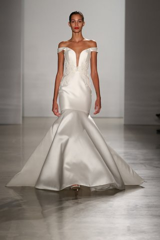 kenneth-pool-fall-2016-trumpet-wedding-dress-with-off-the-shoulder-straps-and-plunging-neckline