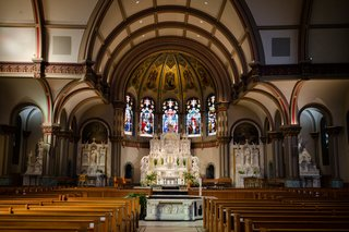 wedding-ceremony-traditional-church-de-paul-university-chicago-catholic
