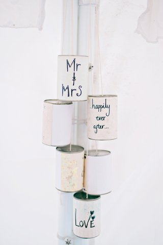 diy-can-details-calligraphy-english-british-garden-wedding-getaway-car-tin-cans