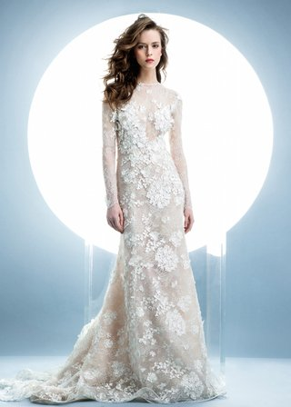 angel-sanchez-spring-2016-collection-lace-dress-with-long-sleeves-and-floral-appliques